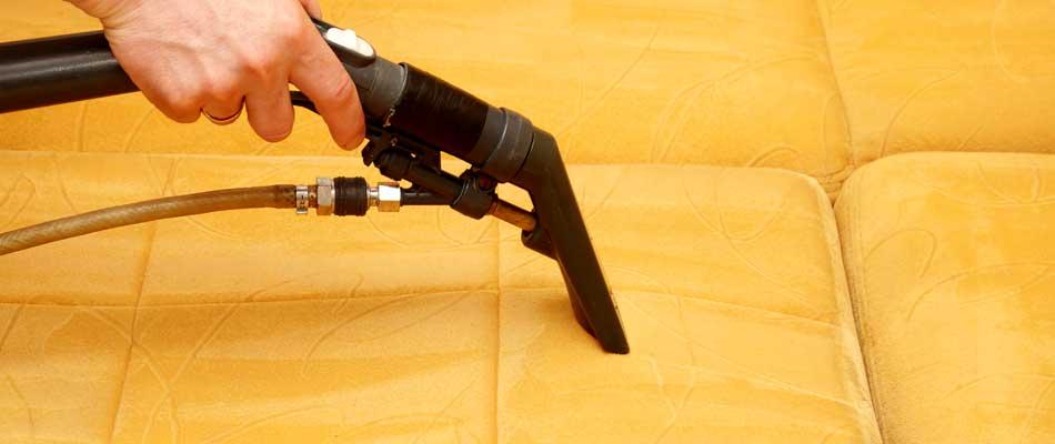 Oturma grubu yıkama işlemleri özel vakumlu yıkama makineleri ile doğal köpükler kullanılarak yıkanmaktadır.