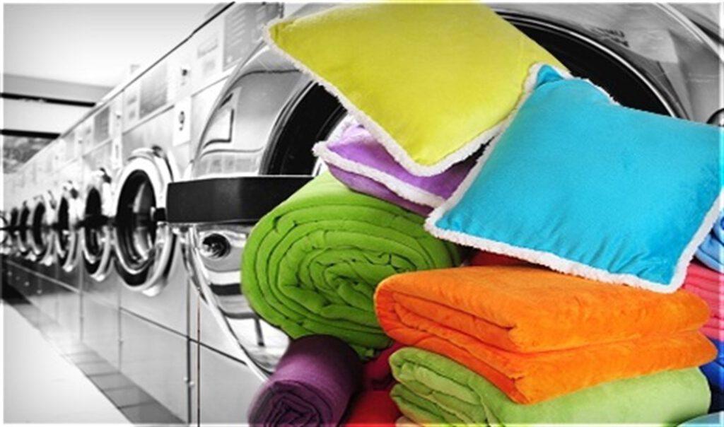 Yorgan yıkama hizmetimiz büyük sanayii tipi makinelerde en az 30 kilo ile yıkanabilen doğal deterjanlar ile yıkanmaktadır.
